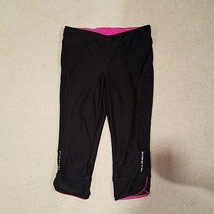Pants - Cropped workout pants